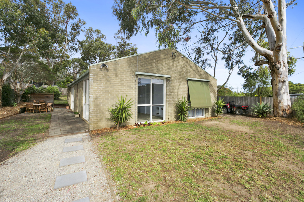 136 Wallington Rd, Ocean Grove VIC 3226