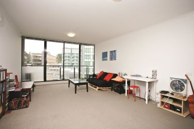 Melbourne Condos: 5th Floor - Modern Splendour!