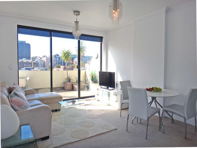 Stylishly Furnished Top-floor 1 Bedroom with Resort Facilities in the City Centre!
