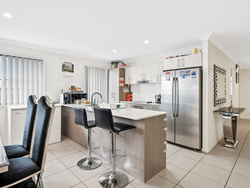 For Sale By Owner: 23 Landing Circuit, Springfield Lakes, QLD 4300