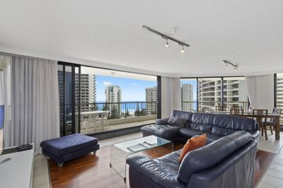 Huge furnished 3 bedroom apartment with fantastic views