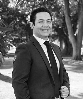 Eduardo Navarro Real Estate Agent