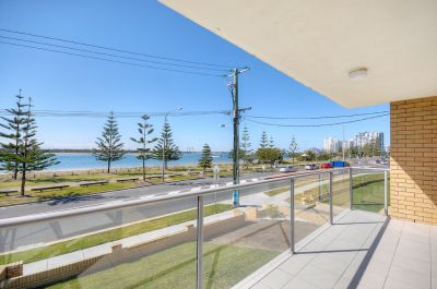 Direct Broadwater Views!!