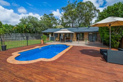 Pet Friendly Family Home with in a Pool in 'Santa Barbara'