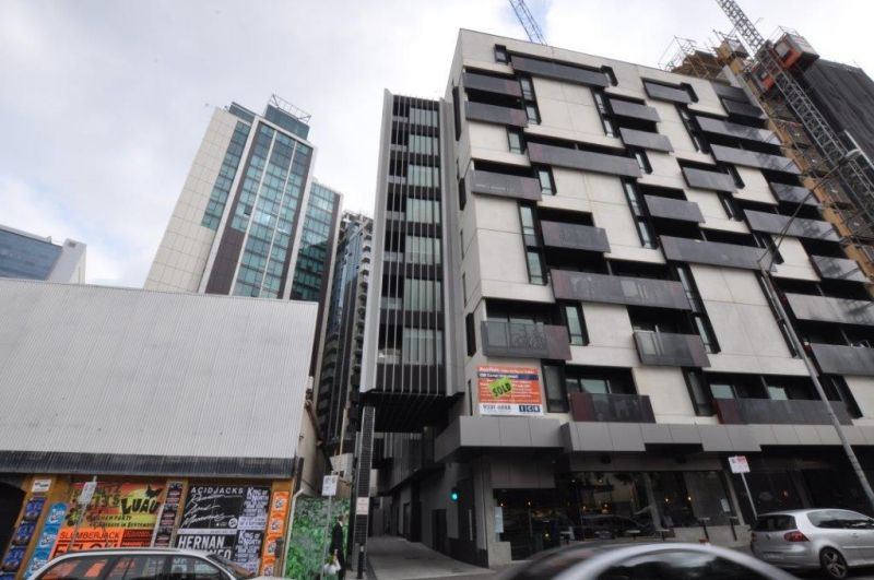 Furnished One Bedroom Apartment in the Heart of Melbourne!
