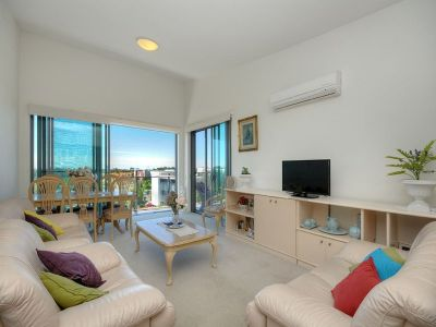 Robina's Best Address - Beautiful North Facing Unit