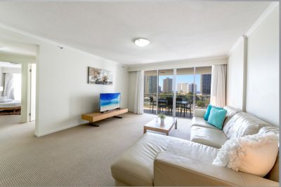 One Weeks Rent Free! Modern Fully Furnished Apartment