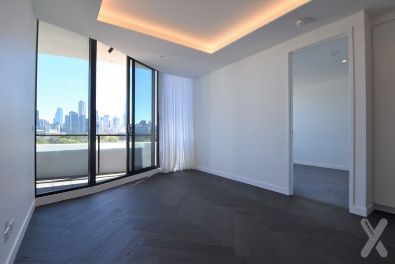 PRIVATE INSPECTION AVAILABLE - Two Bedroom Apartment with Carpark!
