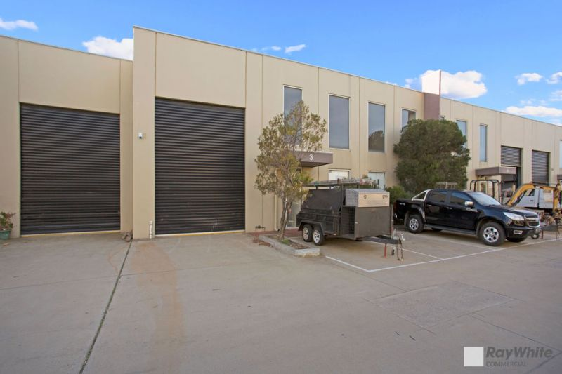 MODERN WAREHOUSE/ OFFICE – EXCEPTIONALLY WELL PRESENTED!