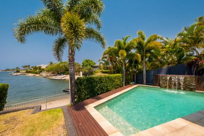 EXECUTIVE WATERFRONT LIVING