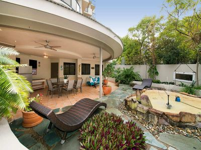 165m2 Courtyard Apartment just moments to the CBD
