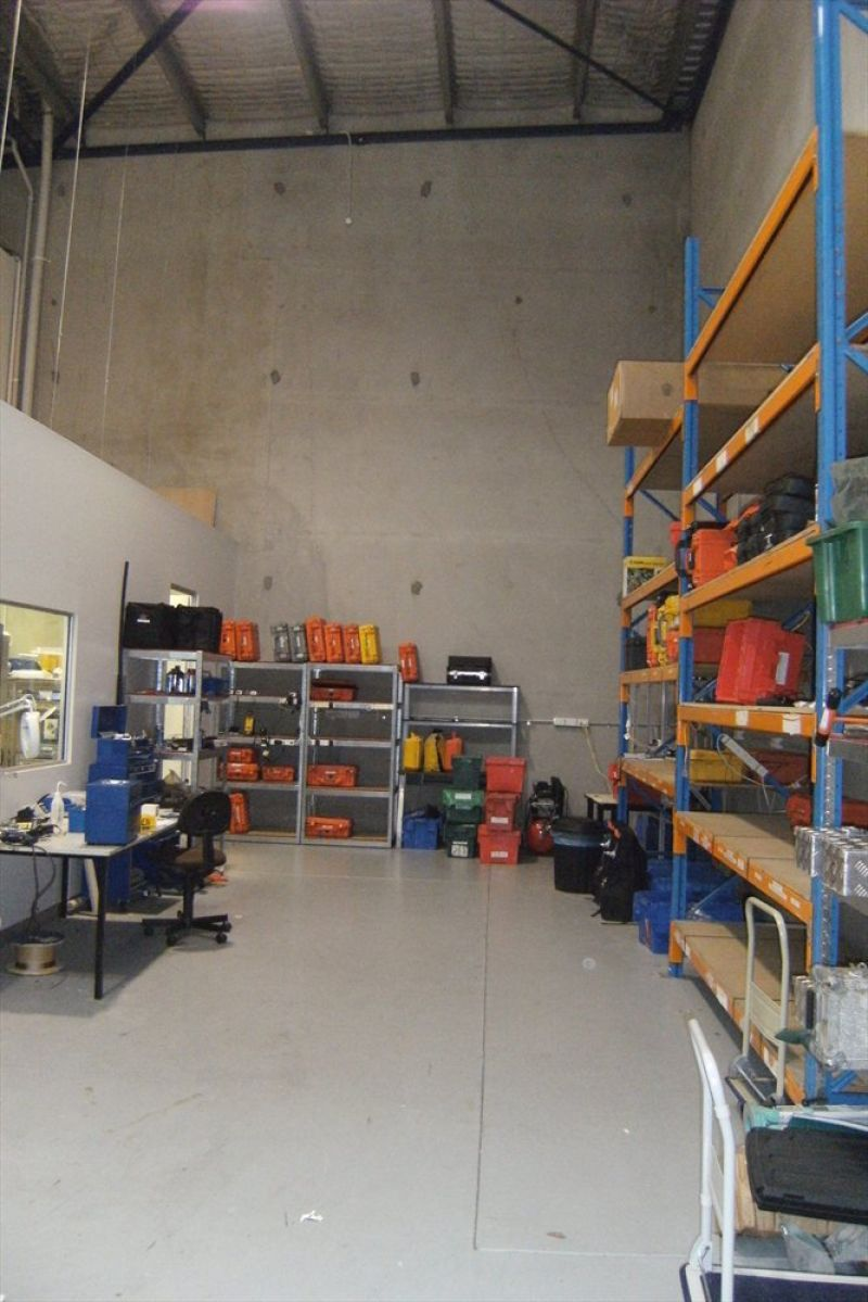 MODERN INDUSTRIAL UNIT IN CHATSWOOD