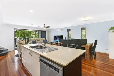 Modern Townhouse  Minutes to Broadwater