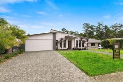 Large Pet Friendly Family Home