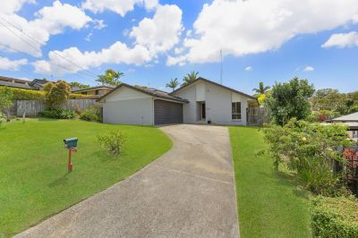 Central family home priced to sell!!