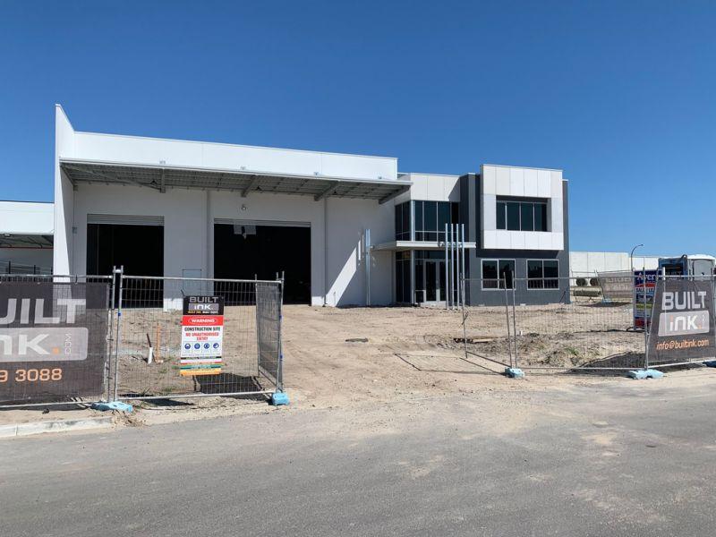 BRAND NEW ULTRA HIGH SPEC OFFICE/WAREHOUSE