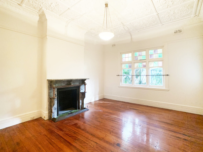 Spacious & beautiful - pets considered -energy bills included