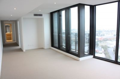 Light and Bright 2 Bedroom Apartment