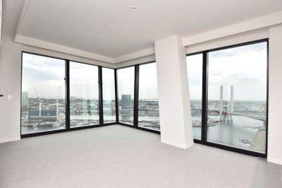 Marina Tower: Gorgeous New Two Bedroom Apartment in Docklands!