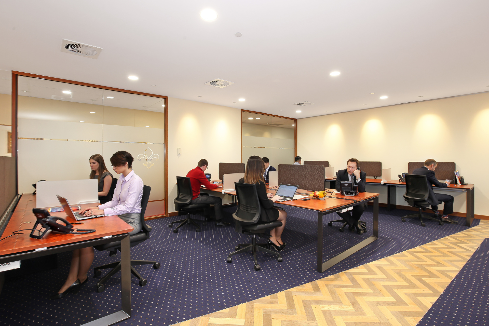 OFFICES LOCATED IN SYDNEY FOR 1-PERSON