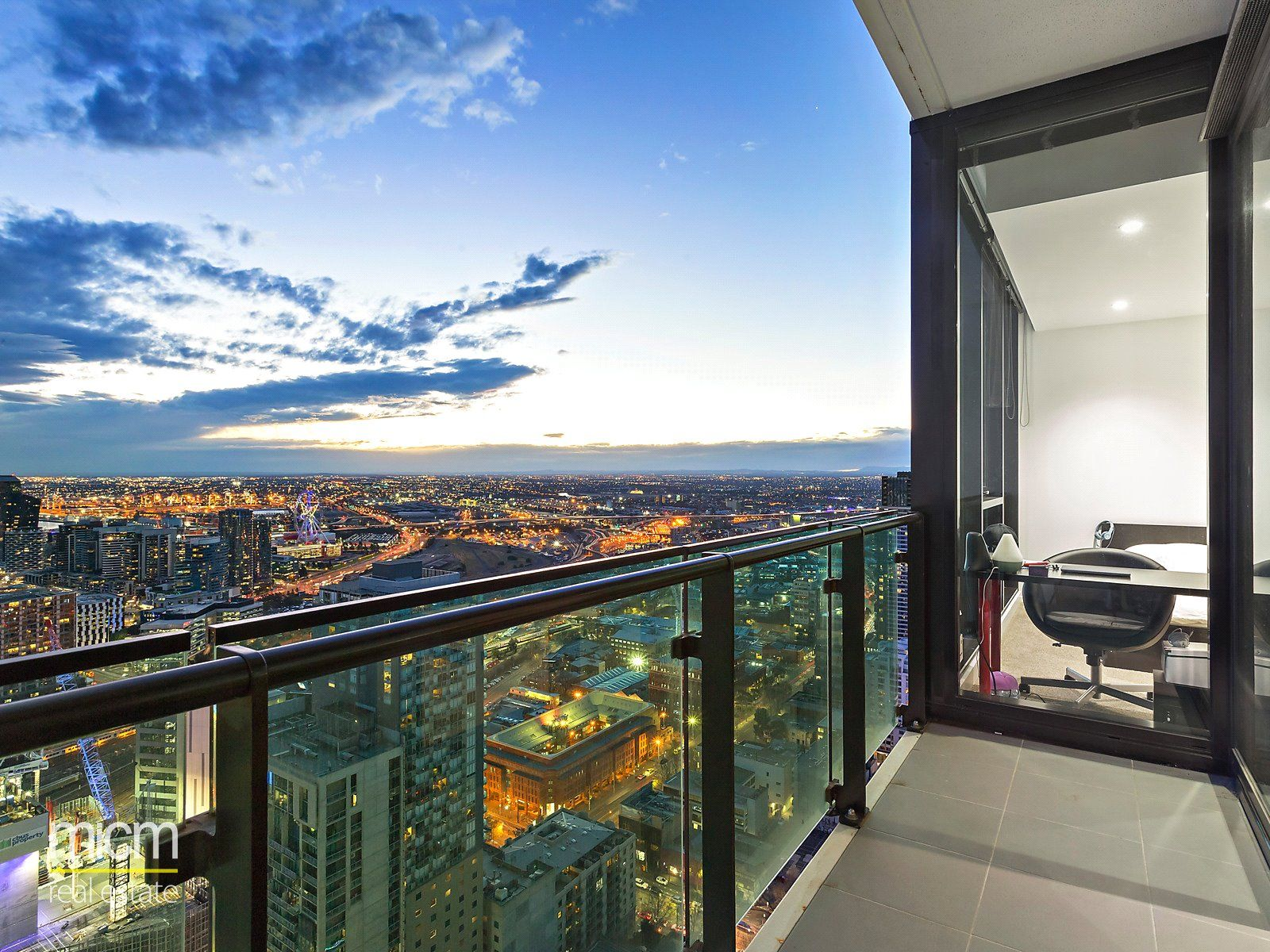 Melbourne One: Stunning Two Bedroom Right in the Heart of Melbourne!
