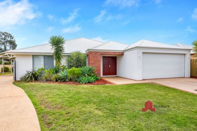 SPACIOUS FAMILY HOME IN QUIET LOCATION