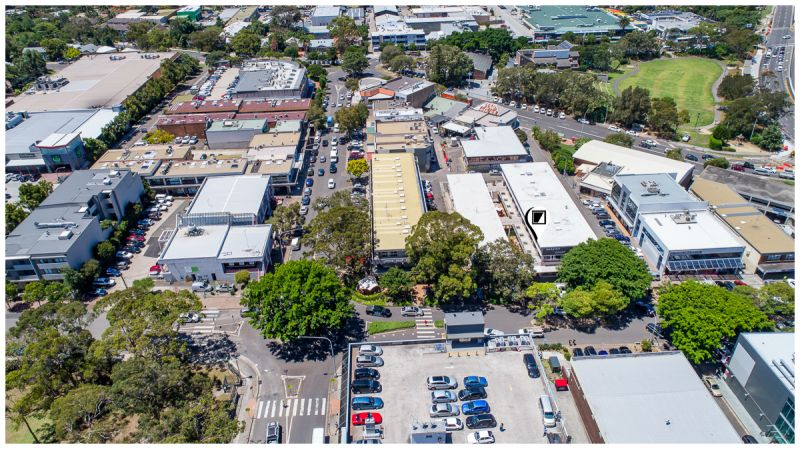 SOLD BY MICHAEL BURGIO 0430344700 1st FLOOR OFFICE OPPORTUNITY IN BUSY MIXED-USE ARCADE!!