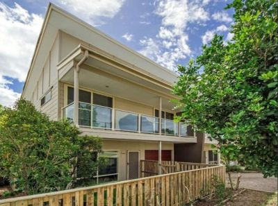 Affordably Yours with Style in a Dress Circle Location