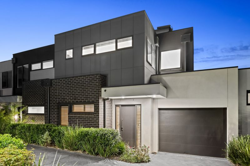 The ultra-modern and relaxed townhouse of your dreams!