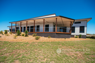 Stunning home in Boonah - Heart of the Scenic Rim.
