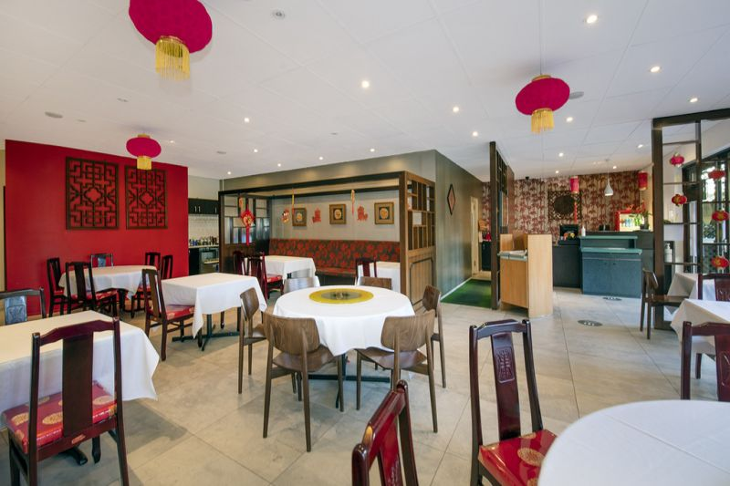 Freehold Restaurant + Residential For Investors / Developers
