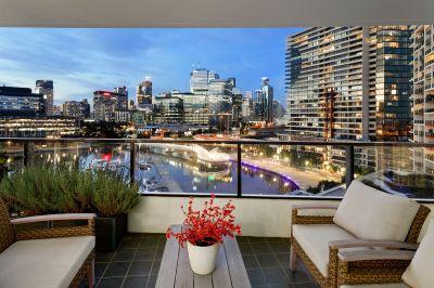 Sensational luxury apartment in this prestigious Mirvac development
