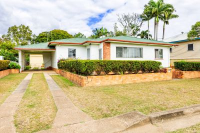 WOW....4 BEDDER, 2 LOUNGE AREAS + HUGE OUTDOOR PAD + DOUBLE SHED, CARPORT & SEPERATE RETREAT…