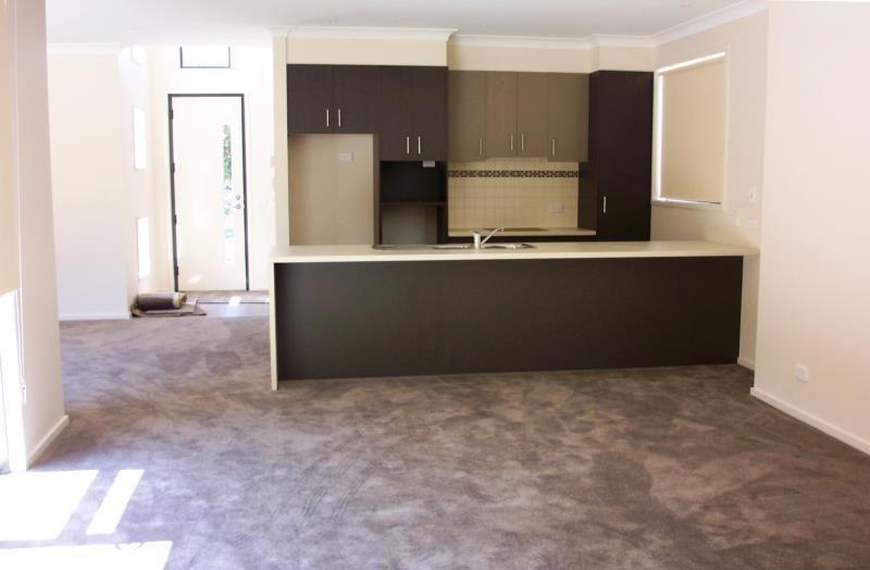 4/3 McNabb Avenue Geelong West