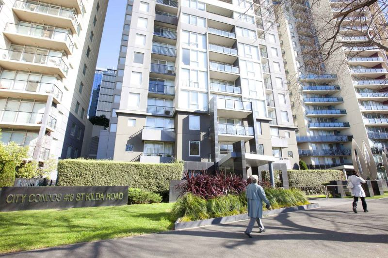 City Condos: 2nd Floor - Modern And Stylish Two Bedroom Apartment!