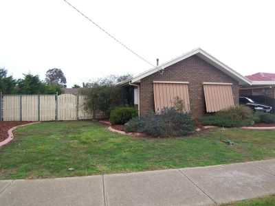 Good size family home within walking distance to the Werribee Plaza