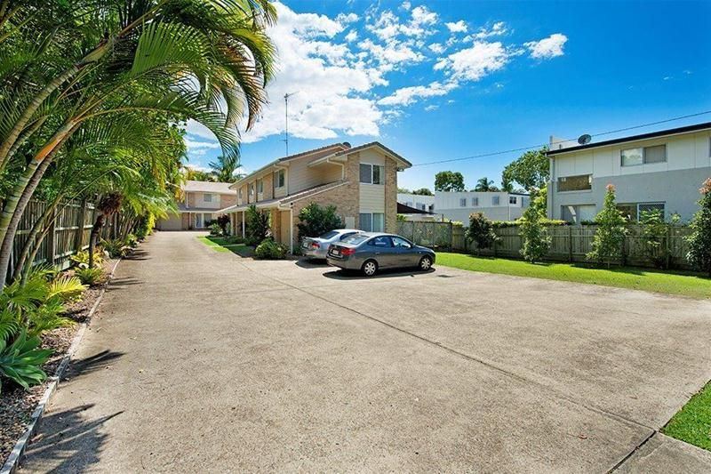 Southport - Entire Block of 4 Townhouses