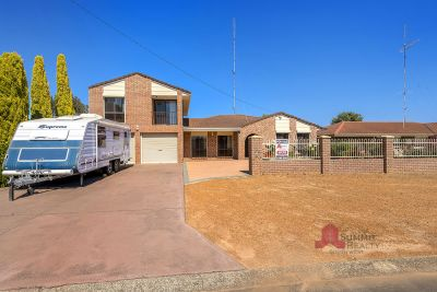 UNIQUE FAMILY HOME IN EAST BUNBURY