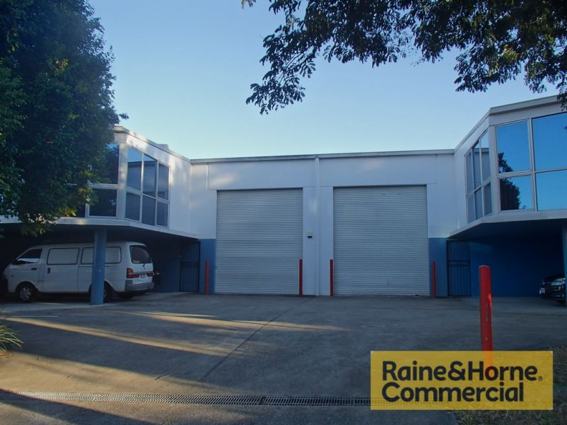 Ideally located Warehouse just off Annerley Rd