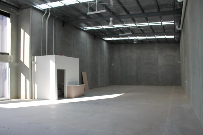 Brand New Office/Warehouse Ready to Occupy