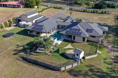 EXECUTIVE RESORT STYLE LIVING, MINUTES FROM GLADSTONE CBD