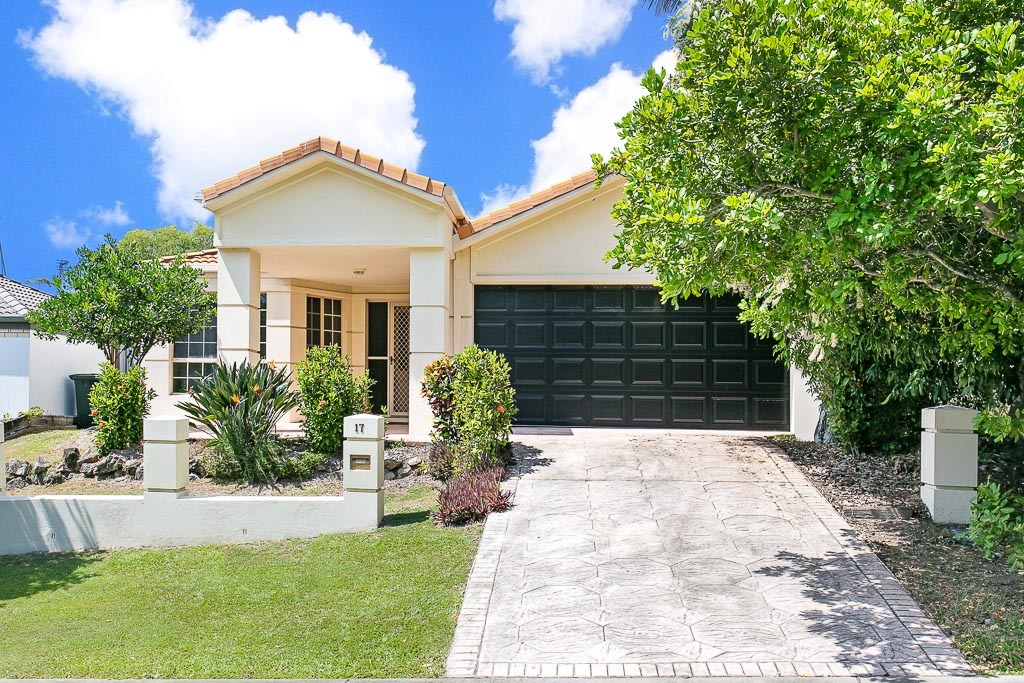 THE PERFECT START ~ SUPERB LOCATION ~ SPACIOUS LIVING