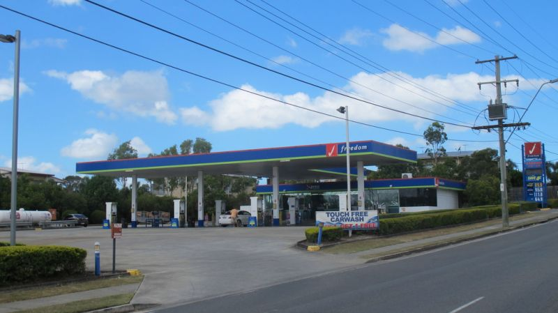 Freehold Service Station with Convenience Store and Carwash