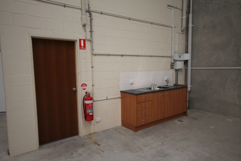 Modern Warehouse - Sought After Location