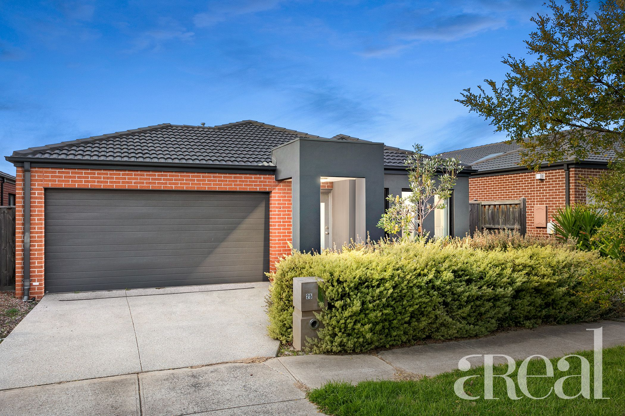 25 Casino Parade, Point Cook VIC 3030