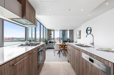 Live Your Modern Dream in Wharf's Entrance