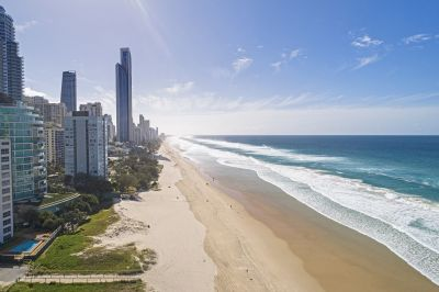 Absolute Beachfront 2bed - Amazing Value