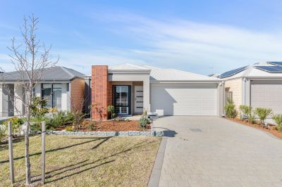 54 Doryanthes Avenue, Piara Waters