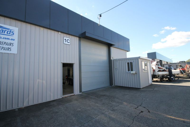 Industrial Warehouse with Redland Bay Road Visiability