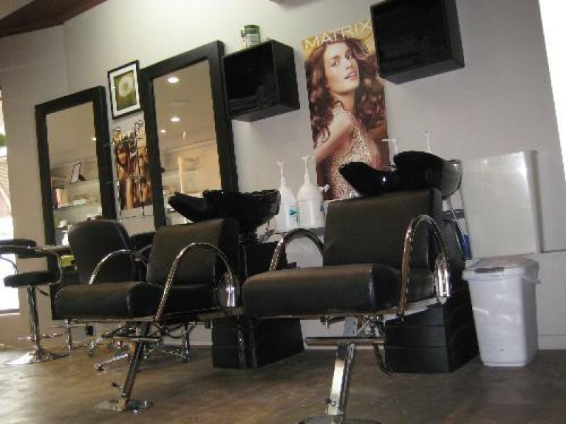 COUTURE HAIR & BEAUTY - GREAT LOCATION - ALL COMPLETELY RENOVATED - OWNERS COMI